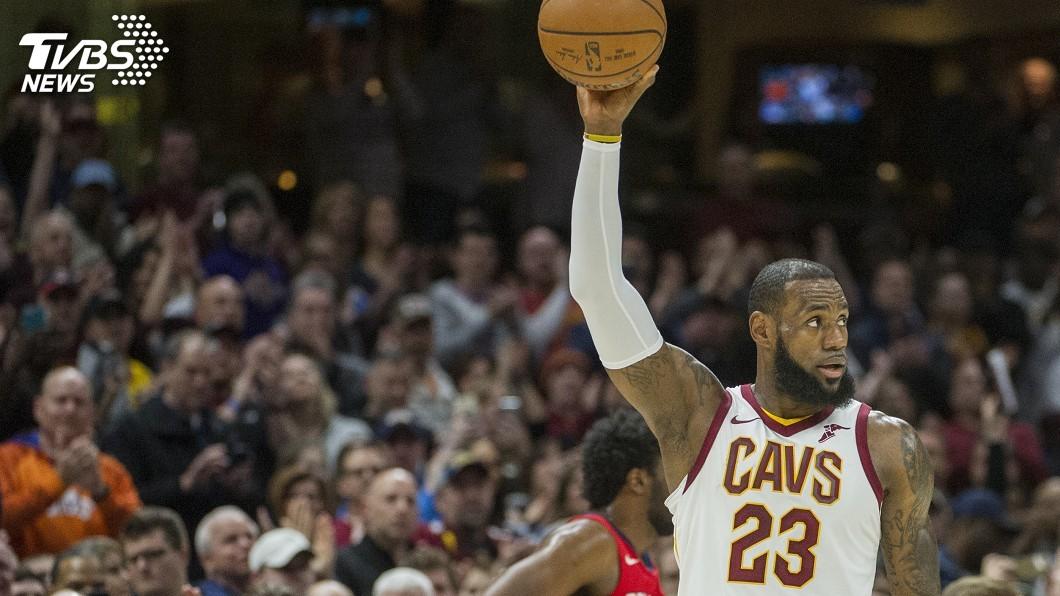 圖/達志影像美聯社 NBA詹姆斯連續雙位數得分 867場躍居第1