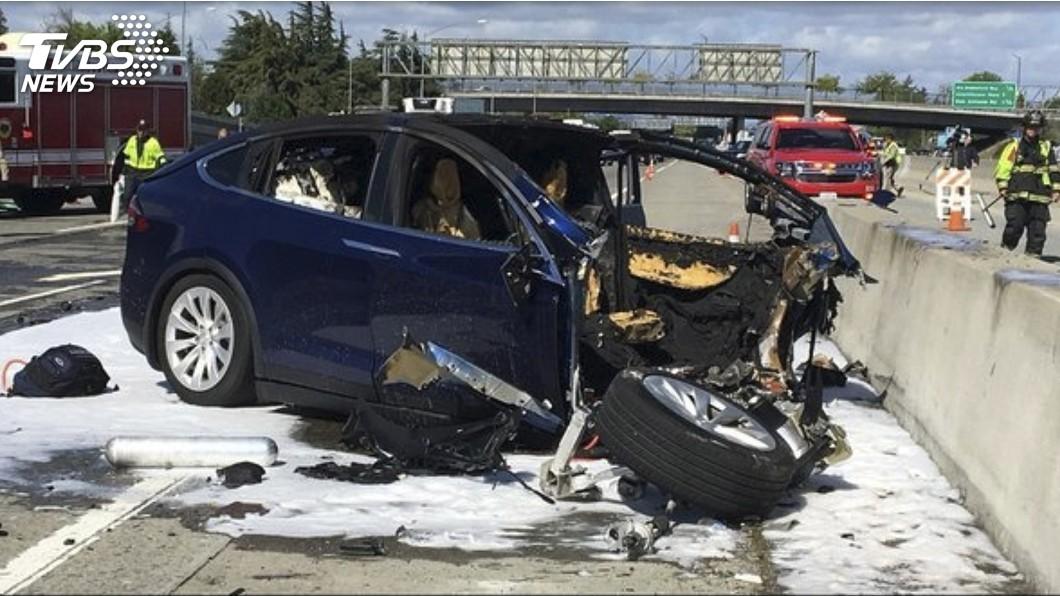 圖/達志影像美聯社 加州致命車禍 特斯拉:車子啟動半自駕