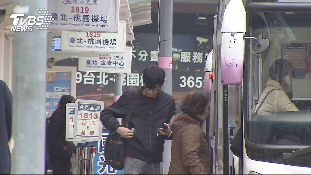 圖/TVBS資料畫面 端午連假疏運 國道客運尖峰預售票賣8成