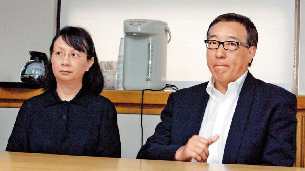 胡其龍(右)是台泥辜家長女辜懷群(左)的丈夫。圖/翻攝自《鏡週刊》 台泥辜家大女婿驚爆婚外情 偷吃小三小四還生2子