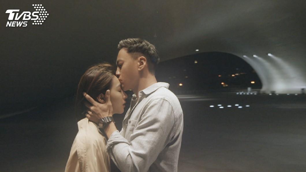 圖/TVBS 楊晴拒吃重口味宵夜 好讓何潤東「親」近