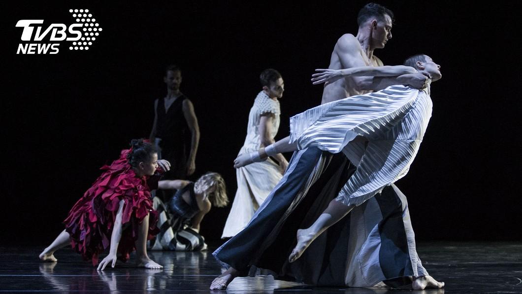 圖/中央社 鄭宗龍取滿月意象 與雪梨舞團共舞《大明》