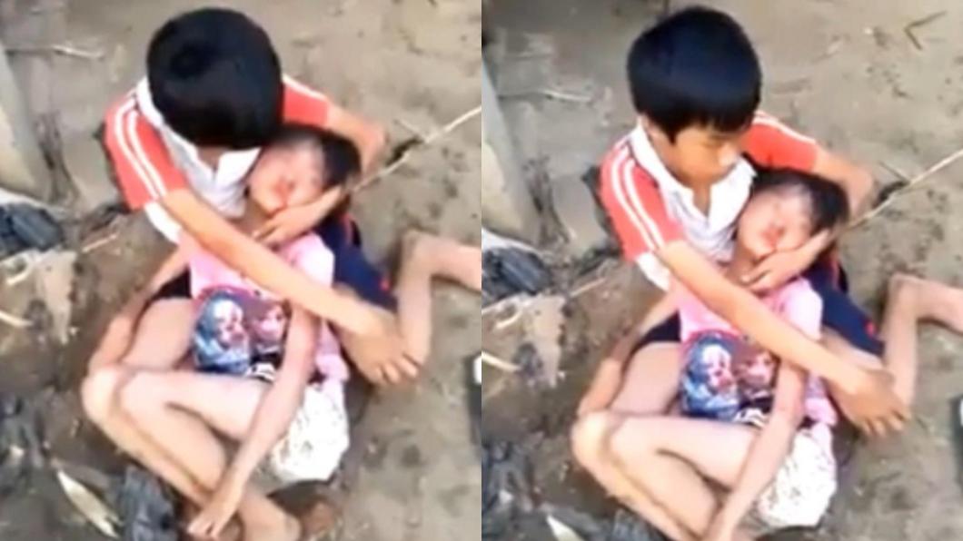 圖/翻攝自YouTube 震撼!螢火蟲之墓真實版 哥無助緊抱被虐昏的妹妹