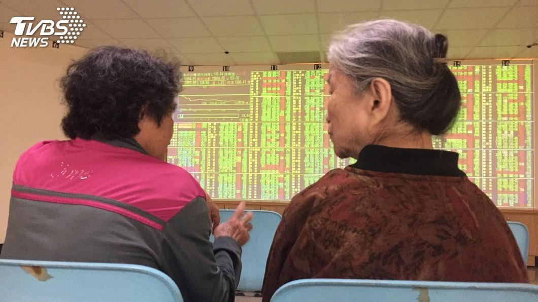 圖/中央社 美股大漲激勵 台股蓄勢衝今年最高11097點