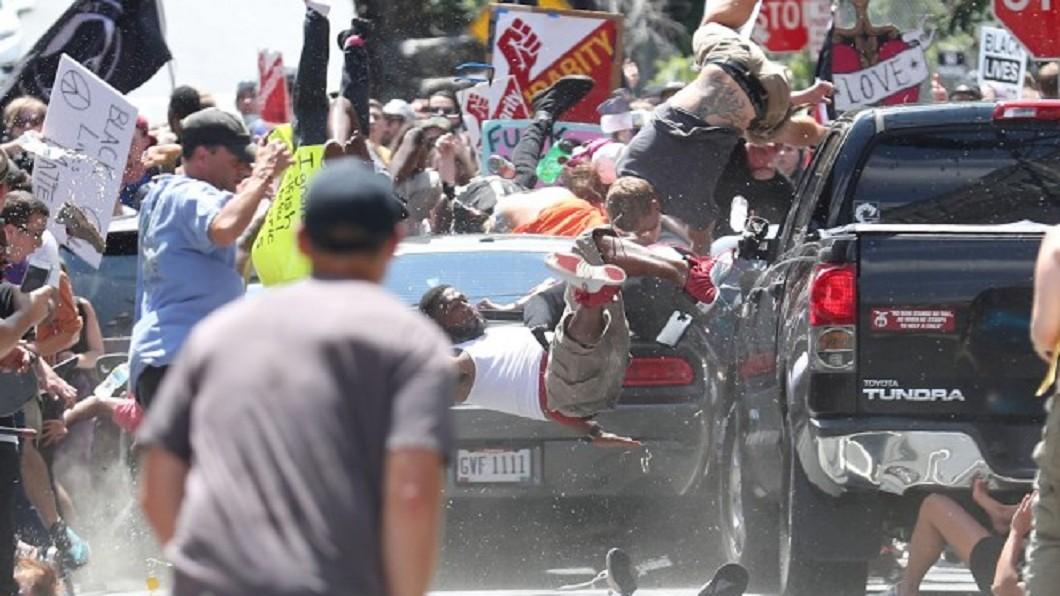圖/擷取自普立茲網頁 普立茲獎攝影師:盼維州示威衝突從沒發生