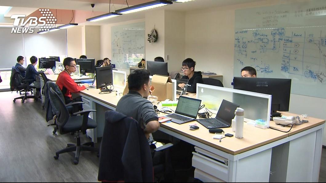 圖/TVBS 電子工程師超缺人 求職者有7.3個工作機會