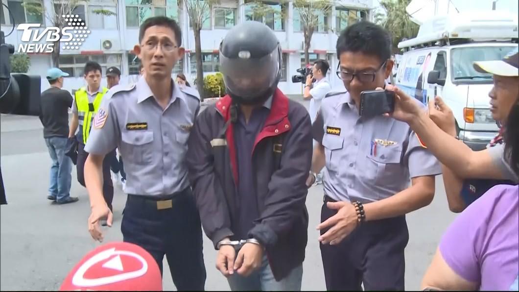圖/TVBS 國道警員遭撞死 肇事司機靈堂下跪道歉