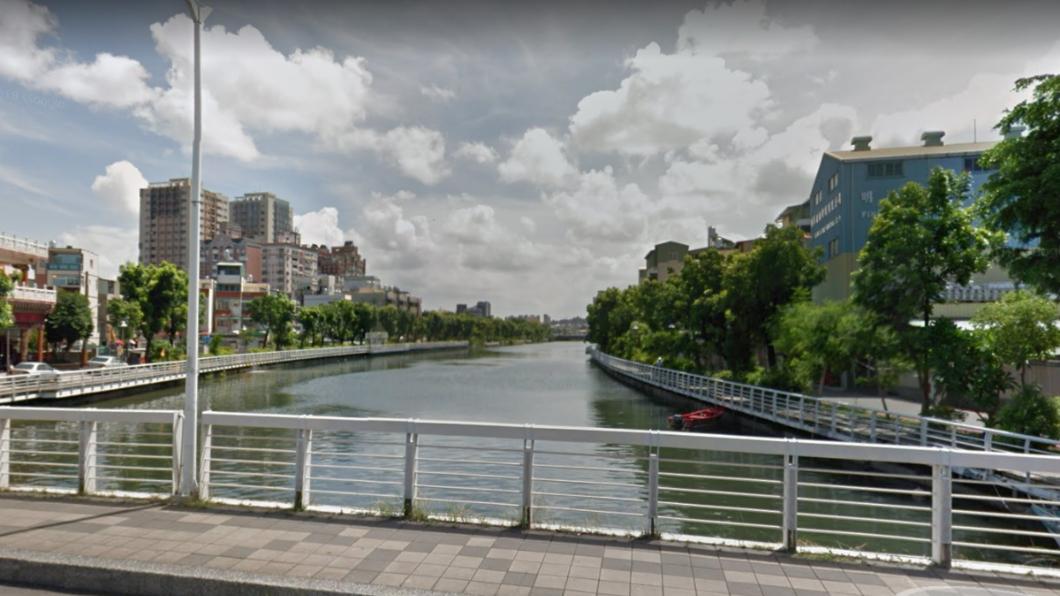 前鎮河。圖/翻攝自Google地圖 離奇!前鎮河驚現男浮屍 背包藏20公斤大石