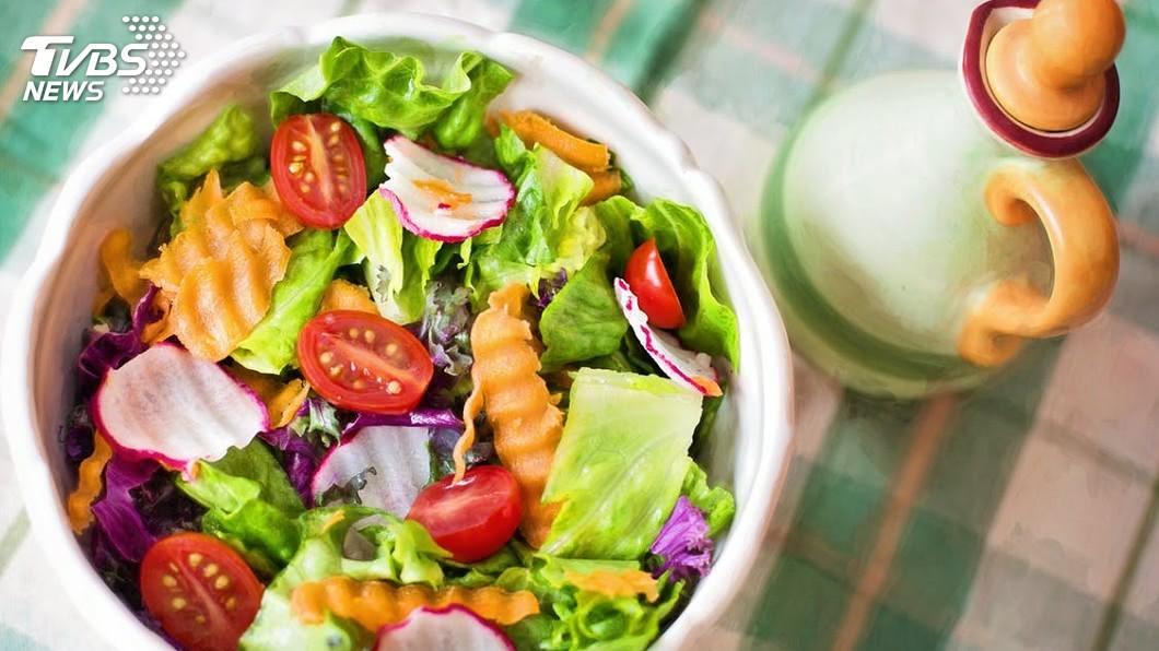 圖/TVBS 睡前吃東西易胖? 專家:吃對宵夜有助減重