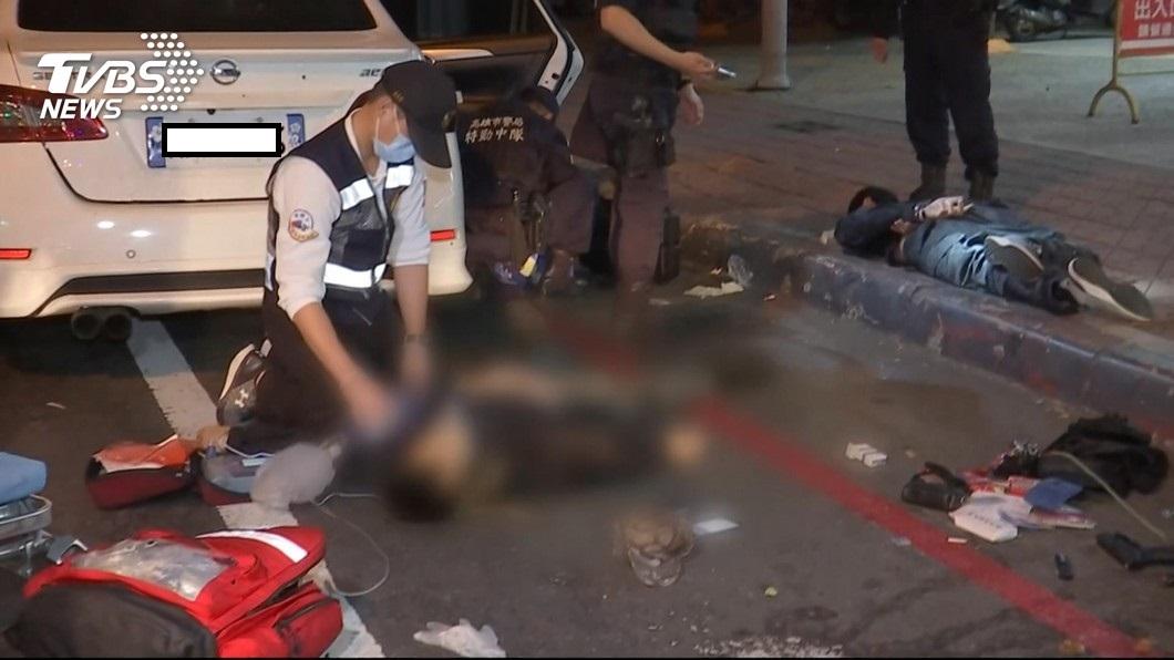當時警員余和謙、施建安共開22槍,擊斃通緝犯陳祈安。圖/TVBS 街頭駁火!22槍擊斃通緝犯 關鍵一槍「他」開的
