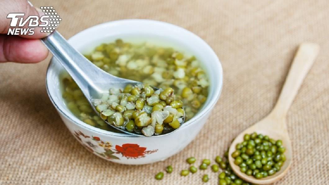 示意圖。圖/TVBS 綠豆湯分顏色? 偏紅、偏綠解暑效果差很大