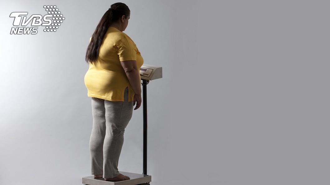 示意圖/TVBS 曾胖到無法救人!女消防員一年狂甩31公斤 找回自信心