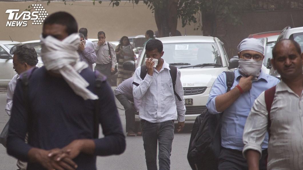 圖/達志影像美聯社 沙塵暴侵襲印度北部 至少77死143傷