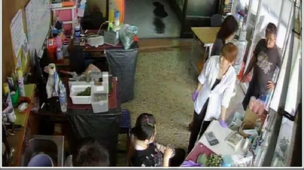 其他店家也出面分享,並公布監視器畫面,呼籲其他同業小心注意。(圖/翻攝自爆料公社)