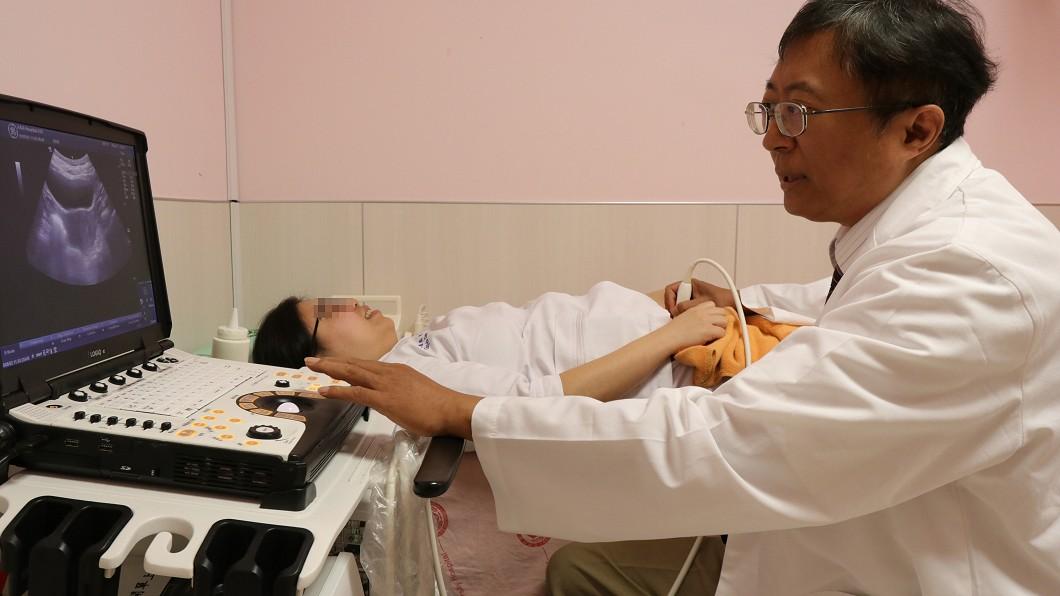 圖/中央社 比丘尼腹部隆起就醫 確診子宮肌瘤惹禍
