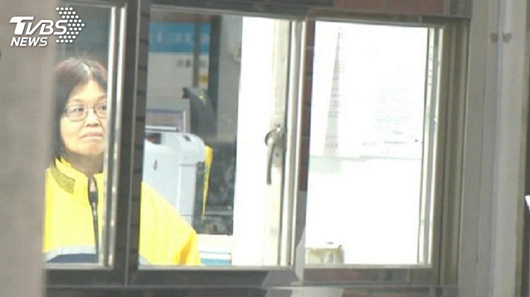 被稱為最貪女科員的前汐止民政課視導王玉升,因涉嫌收賄2億多元,一審遭判刑13年,但二審卻改判無罪。(圖/TVBS) 「最貪女科員」索賄2億判13年 高院逆轉判無罪