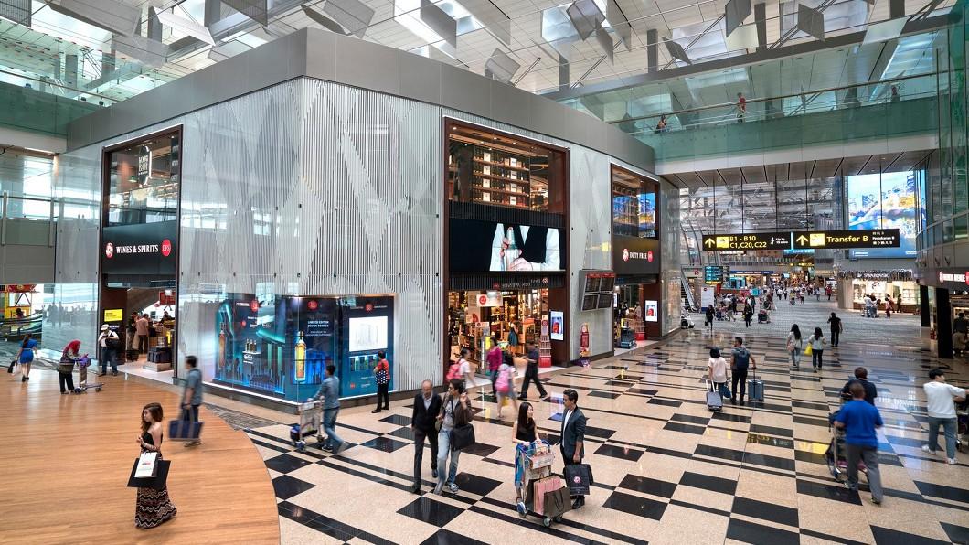 圖/Changi Airport Facebook 快訊/無人機干擾樟宜機場 1跑道關閉37航班延誤