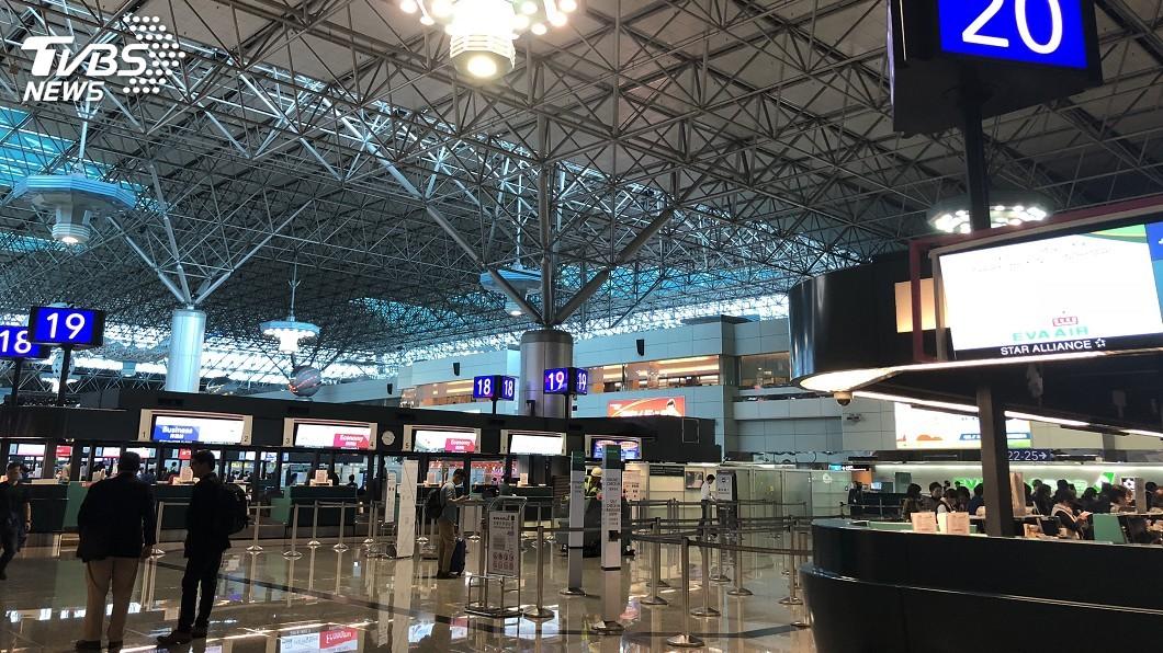 圖/中央社 米塔颱風撲台!123班客貨機受影響 桃機嚴防強風豪雨