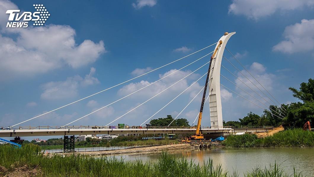 圖/中央社 可擋7級地震17級風 嘉市斜張橋年底可完工