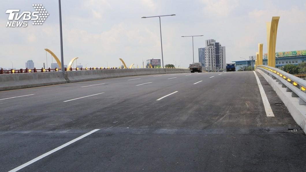 圖/中央社 中市知高橋改建通車 往來工業區更順暢