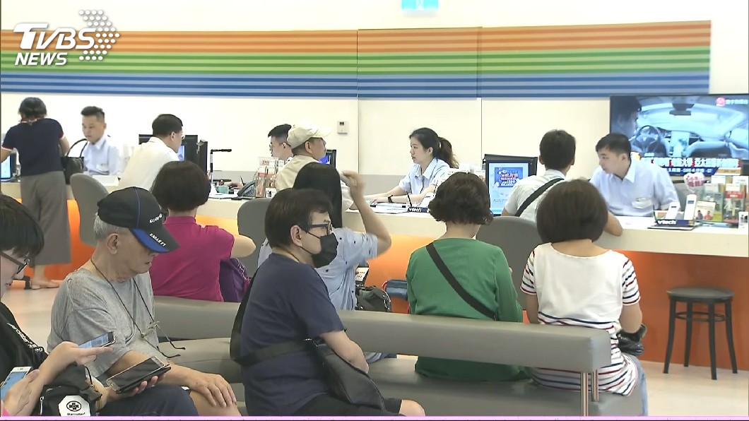 圖/TVBS 快訊/499之亂 NCC開罰中華電信200萬