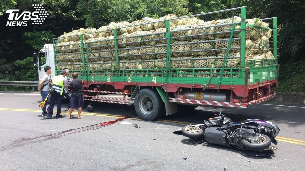 警方正深入調查釐清車禍原因。(圖/TVBS)