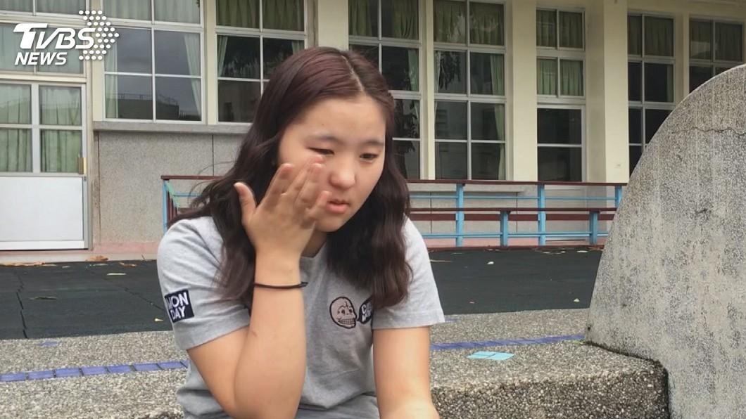 阿莉吉吉提起過去,忍不住落淚。圖/TVBS