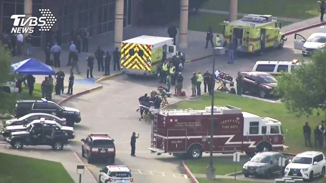 圖/達志影像美聯社 17歲美式足球員持槍掃射 德州高中10死10傷