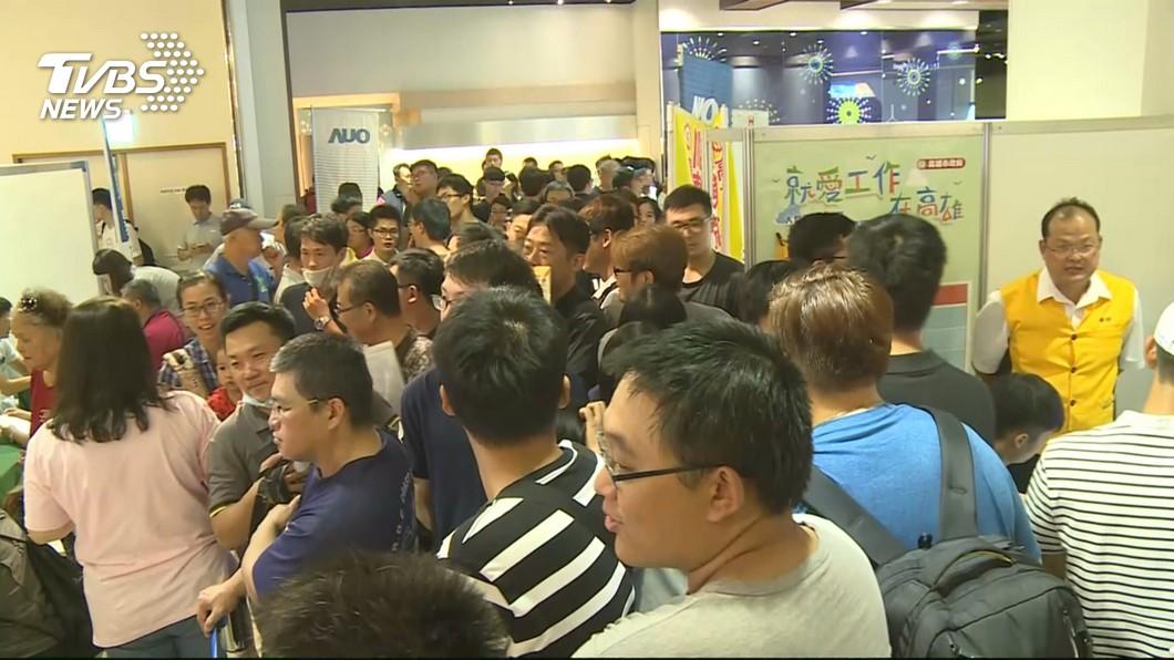 圖/TVBS 求百位船員 中鋼運通:船長月薪26萬