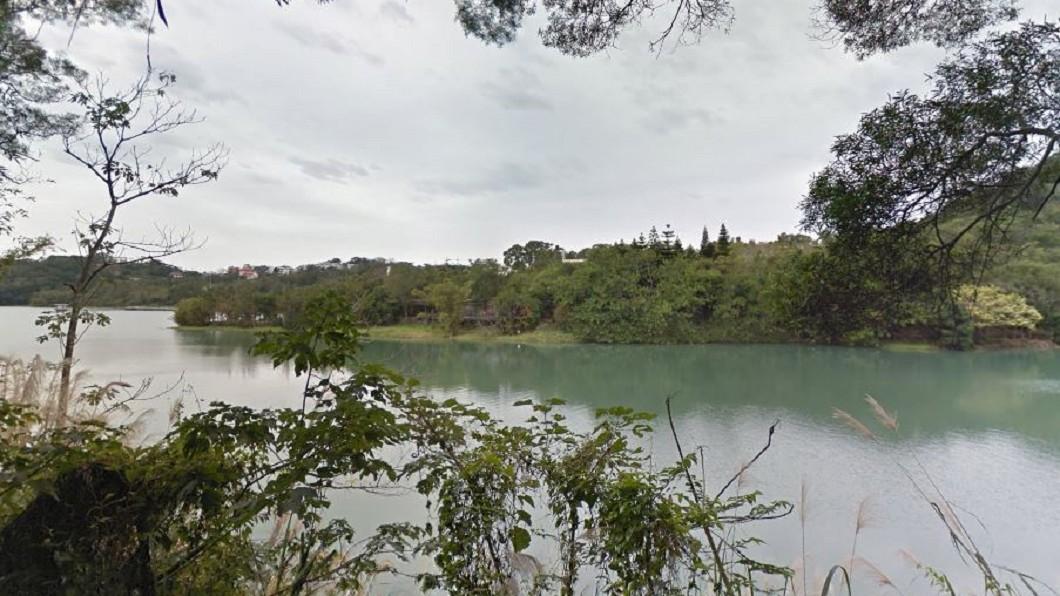 惡狼硬上失敗後,竟直接把少女丟包在水庫步道旁。圖/Google Map