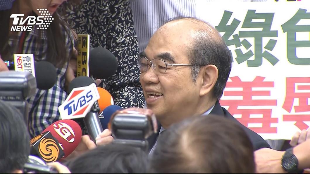 圖/TVBS T怪客踢新聞/吳茂昆慘遭拔管
