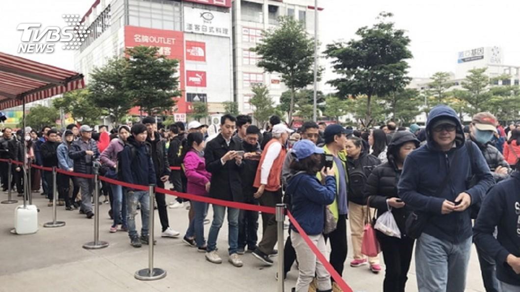 示意圖/TVBS 為了499搶翻天! 省錢小確幸恐讓台灣人命都沒了