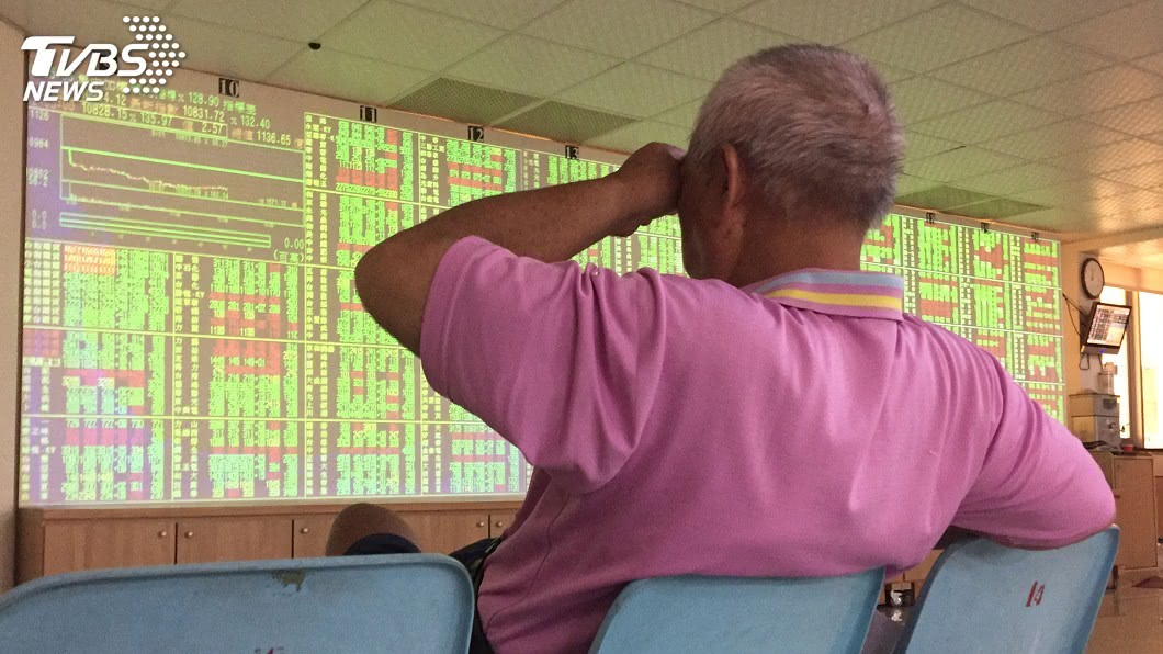 圖/中央社 美中貿易戰出現轉圜 台股漲65點重返10400