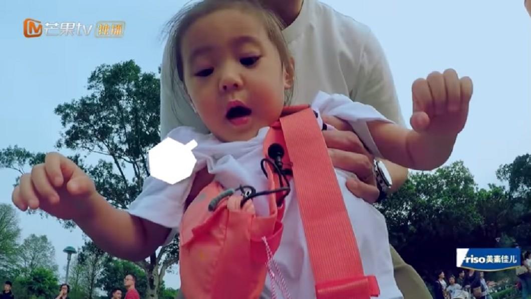 圖/翻攝自YouTube湖南衛視芒果TV官方頻道 魔鬼教練無誤!修杰楷教騎車 咘咘想偷懶慘被抓回來