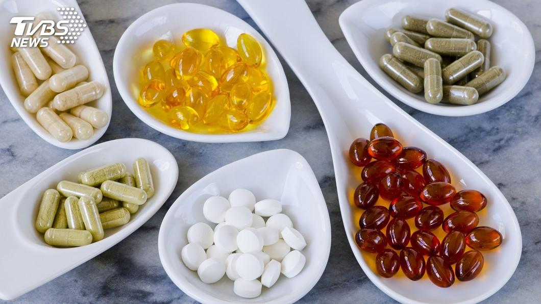 示意圖/TVBS 跟風吃保健食品 小心吃錯了可能會中毒