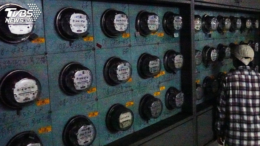 圖/中央社 主張電價無須調漲 經長:國際油價相對便宜