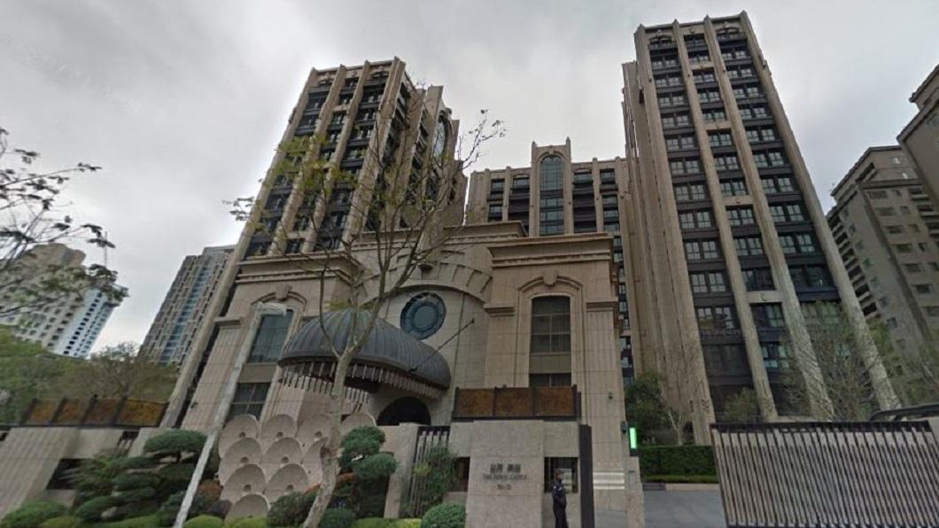 信義區的豪宅「皇翔御琚」,曾經創下停車位800萬的交易案。(圖/翻攝自Google Map) 信義區豪宅停車位800萬 高雄可買4房新屋附車位