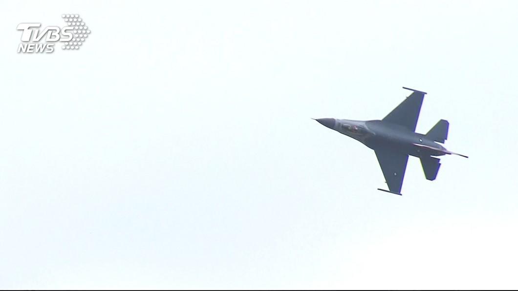 圖/TVBS 嚴德發:高教機與戰機升級各有團隊 人力不衝突