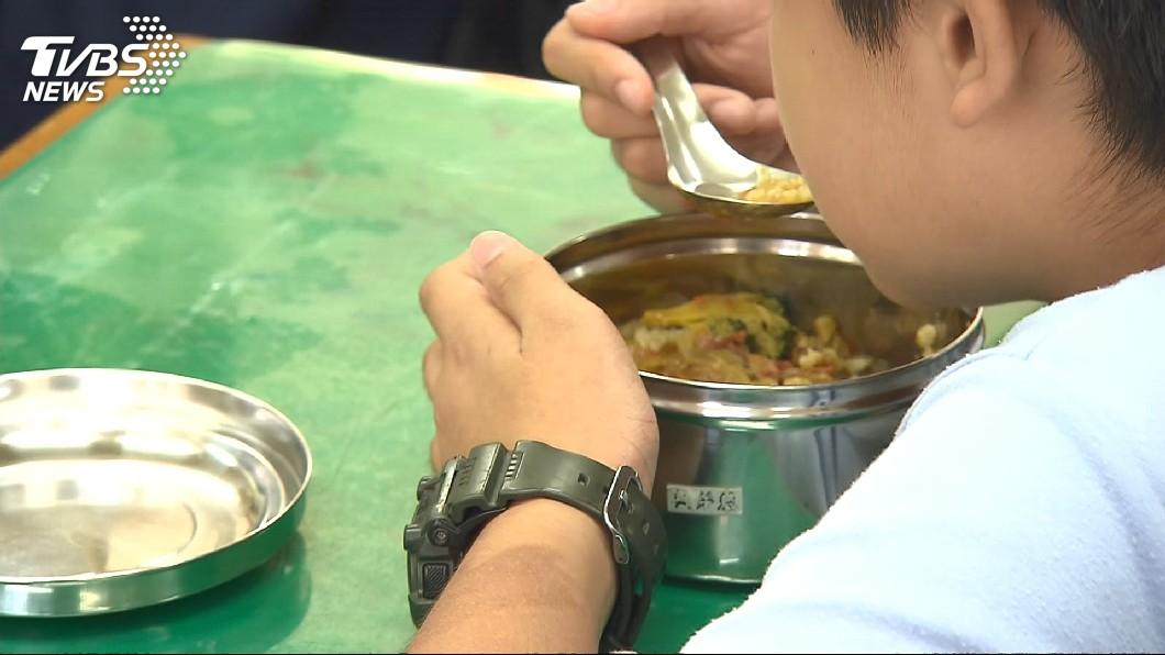 示意圖/TVBS 國小營養午餐「1餐18元」 菜農怒:什麼XX政府!