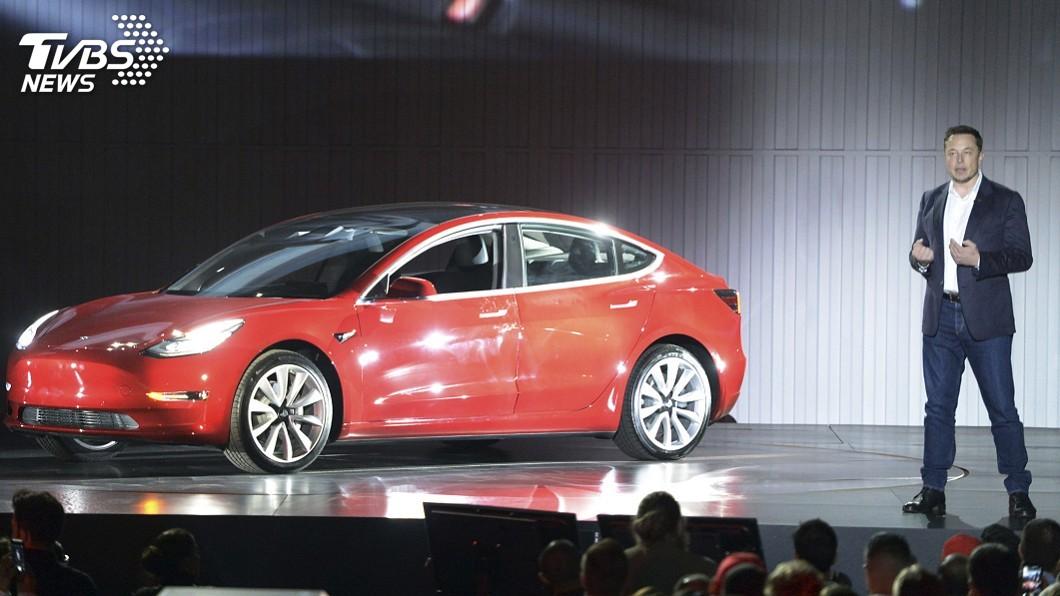 特斯拉Model 3產量有望達標 馬斯克續兼董事長