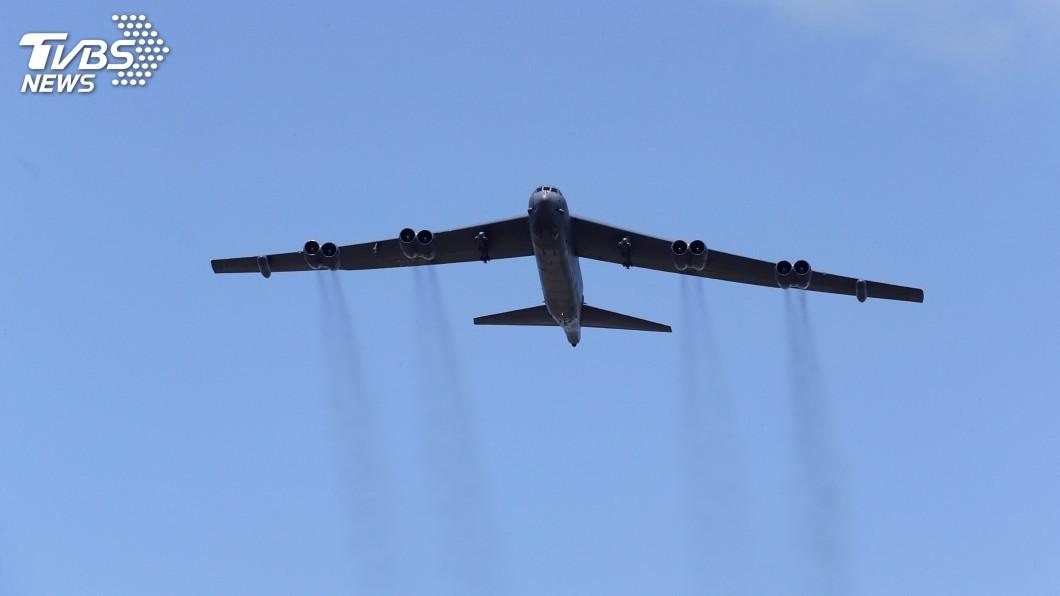 圖/達志影像路透社 美轟炸機南海訓練 中國外交部:橫行有風險