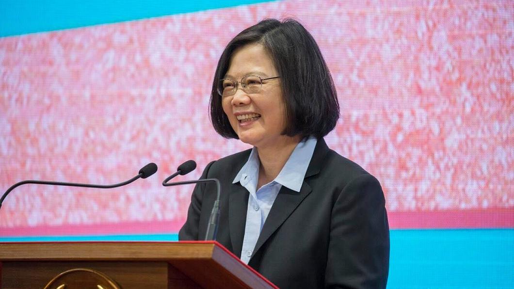 圖/翻攝自蔡英文臉書 小英稱「台灣經濟20年來最好」 網友怒了:抓去關3天