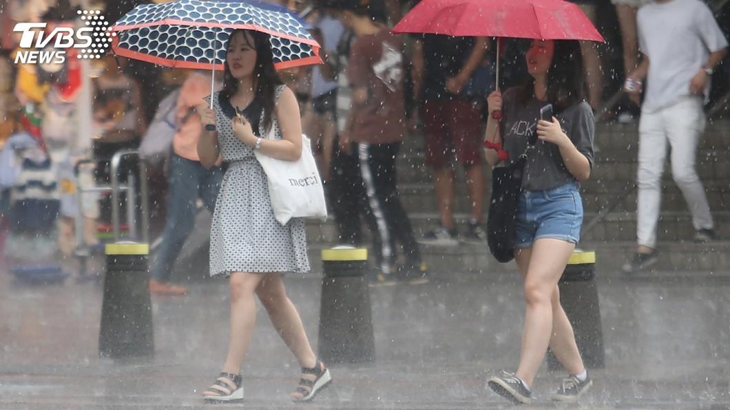 圖/中央社 西南氣流加熱帶性低氣壓 中南部雨勢明顯
