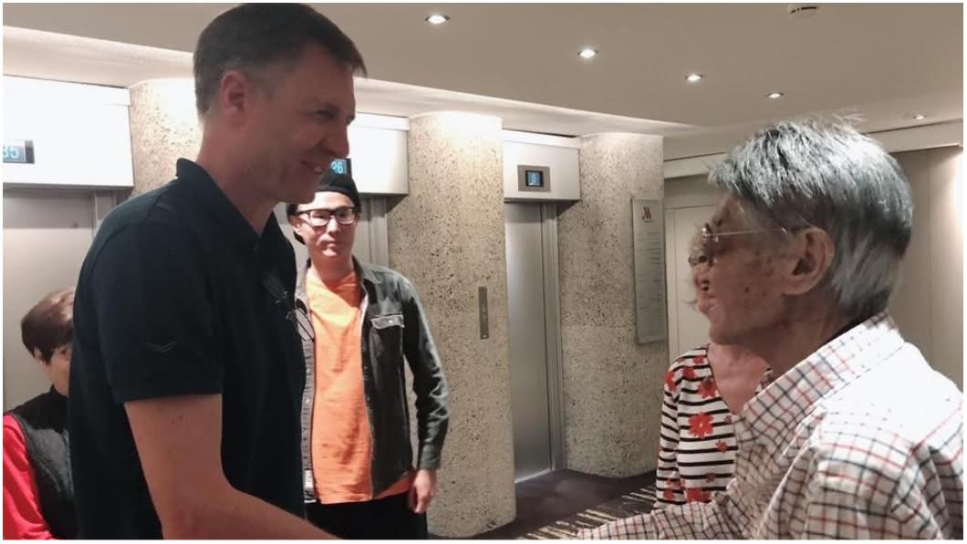 傅達仁昨晚已到機構談論執行細節。圖/傅達仁臉書