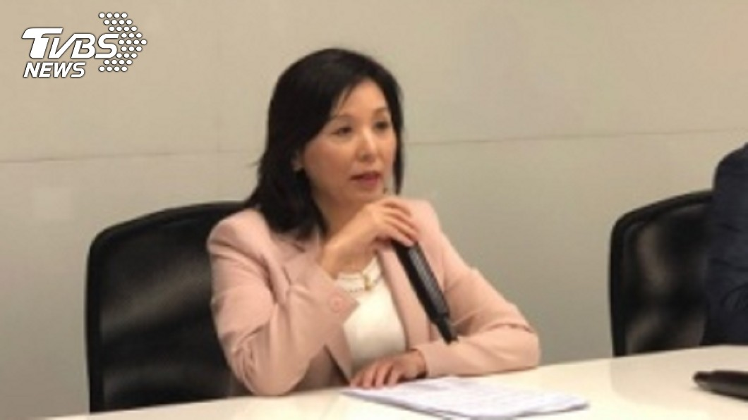 圖/中央社 李紀珠:請辭副董非關薪水 是工作環境不友善