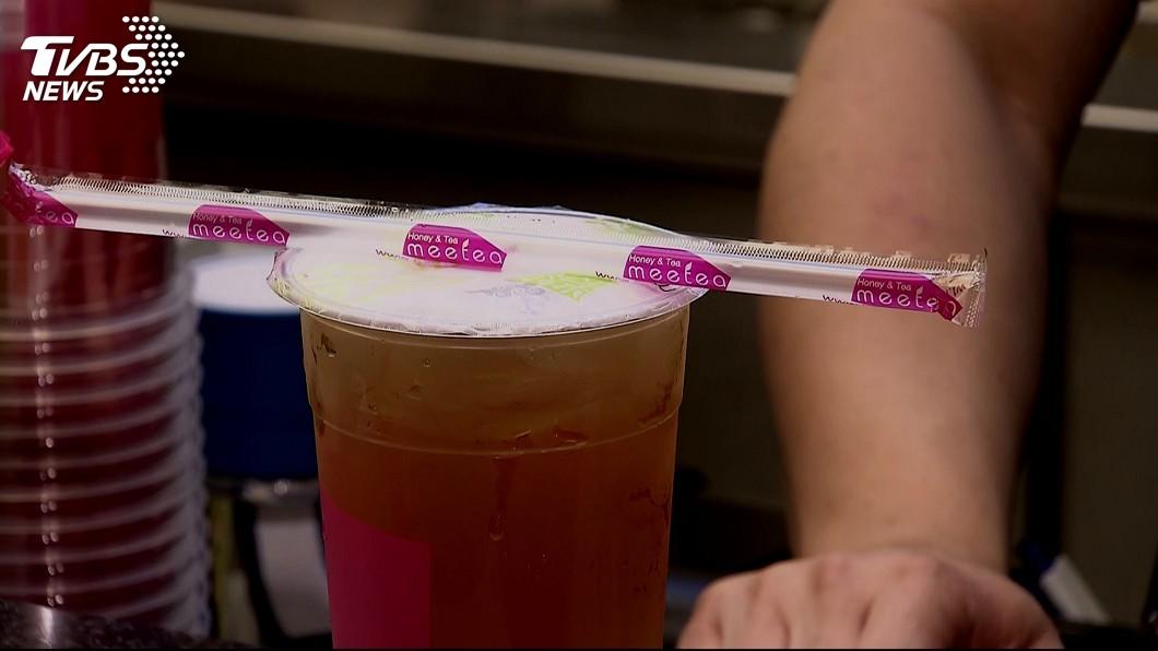 圖/TVBS資料畫面 喝珍奶只能用湯匙?「這5種」塑膠吸管可以用