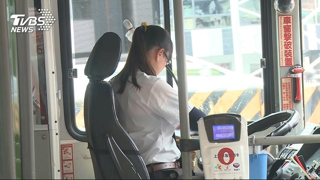 高雄市交通局表示透過大數據分析,辦理「效能提升計畫」。(示意圖,與新聞事件無關。圖/TVBS) 公車載嘸人 高市啟動大數據分析提升營運效能