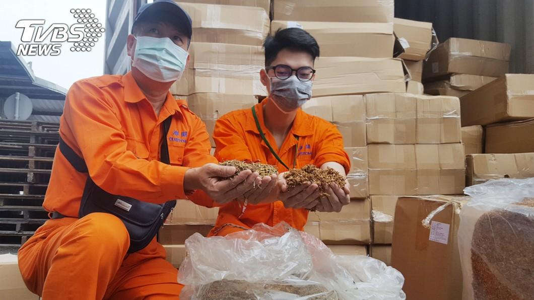 圖/中央社 基隆關查獲貨櫃夾藏6噸菸絲 以辣椒絲掩護