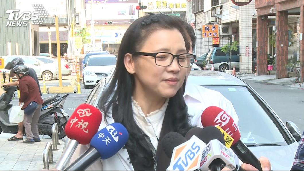 前台北市議員璩美鳳。圖/TVBS 玩交友軟體被19歲鮮肉「約」 璩美鳳羞喊:怕怕的