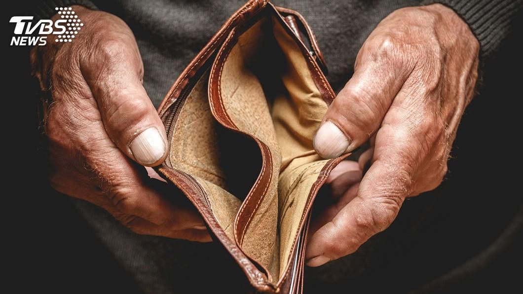 新錢包要放新鈔聚財。圖/TVBS